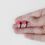 neon pink dupla háromszög fülbevaló