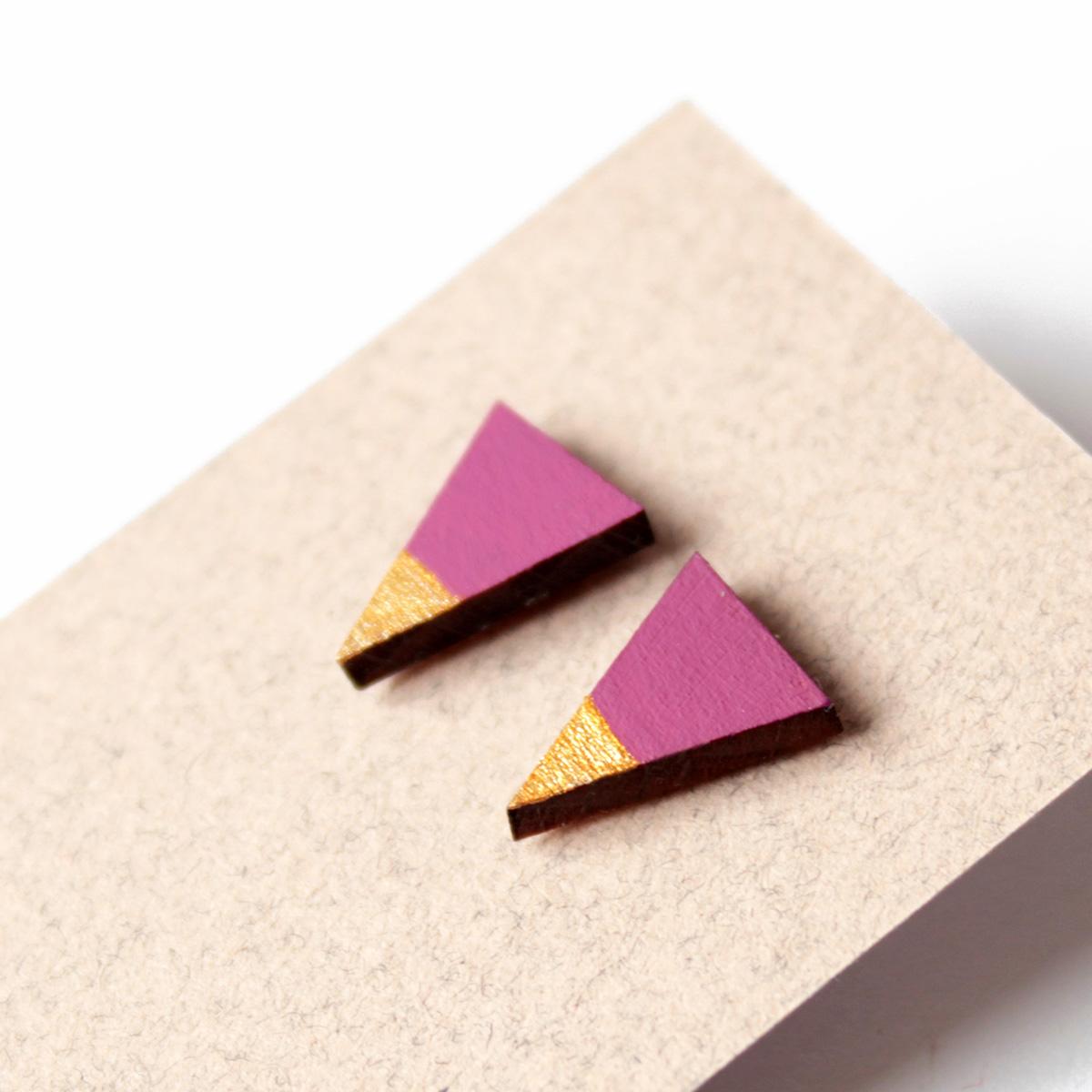 ciklámen arany háromszög fulbevalo