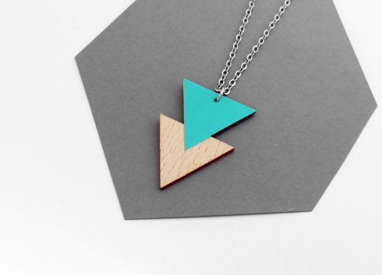 háromszög fa nyakalánc