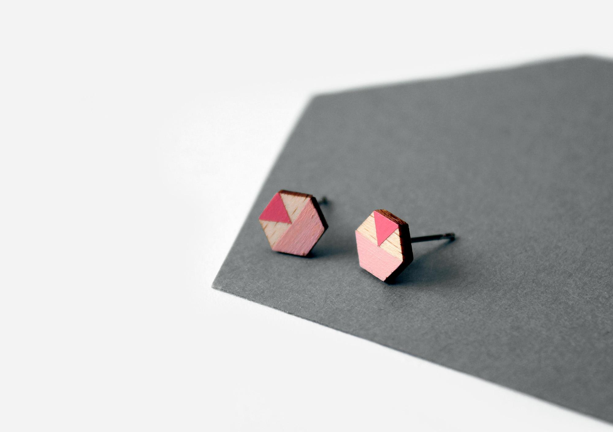 rózsaszín geometrikus fülbevaló